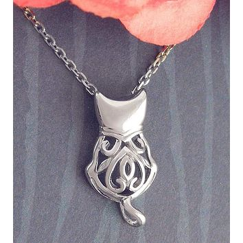 Fancy Cat Pendant With Curled Tail