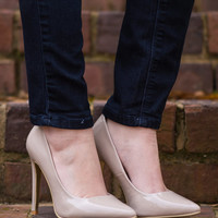 The Kate Pump, Nude