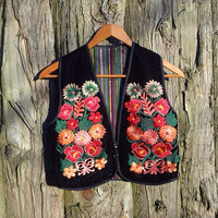 Very Cute Ethnic Floral Embroidered Mini Vest // Size Small - Xsmall // Embroidered Vest // South American Vest //
