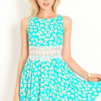 Spring Fling Daisies Dress - LoveCulture