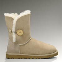 UGG Bailey Button 5803 Boots Sand Elegant