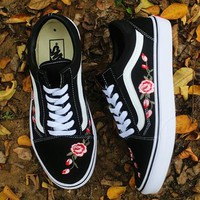 Trendsetter Vans Rose Embroidery Canvas Old Skool Flats Sneakers Sport Shoes Tagre™