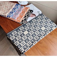 Hermes autumn and winter new H letter carriage, thick scarf, ladies shawl, cashmere temperament scarf