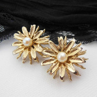 Vintage Gold Metal Iridescent White Faux Pearl Sun Flower Clip On Earrings