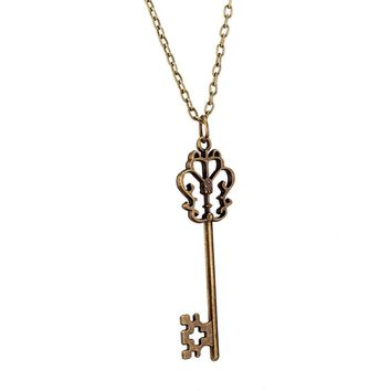 Punk Style Vintage Key Shape Pendant Necklace Charm Jewelry