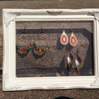 Wire earring display- vintage white