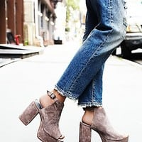 Jeffrey Campbell + Free People Womens Chemistry Covered Platform