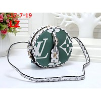 LV 2019 new women's classic old flower small round bag shoulder bag Green