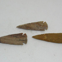 3 Stone spearheads......E3B6d..... Ornamental replica primitive tool.....arrowhead