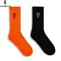 VERIDICAL men women socks Vlone letter long socks hip hop streetwear kanye west Crew harajuku Justin Bieber meias socks sokken