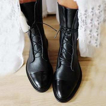 New SHENGY Patent Leather British Style Flat Boots Black Pointed Toe Boots Handsome Motorcycle Boots Women's Boots