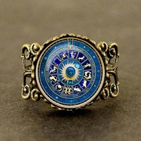 2017 New Fashionable Vintage Blue Yin Yang Wicca Ring Novelty Zodiac Sign Jewelry Gift Glass Cabochon