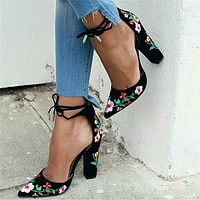 Women Rough Heel Sandals Embroidery Flower Shallow Mouth Pointed Top Heels Shoes