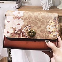 Samplefine2 COACH Fashion New Pattern Leather Shopping Leisure Shoulder Bag Women Crossbody Bag