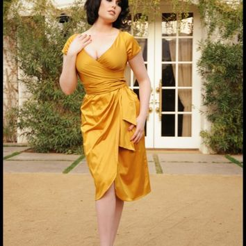 Ava Dress in Burnt Gold | Pinup Girl Clothing