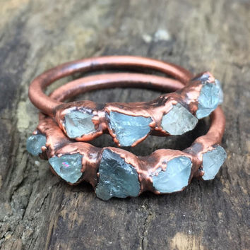 Raw aquamarine ring / March birthstone ring / Aquamarine engagement ring / Copper aquamarine ring / Aquamarine stacking ring / Gift for her