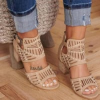 Hot style is a big seller of high-heeled open-toe back zipper sandals