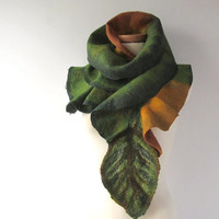 Felted  scarf ruffle collar - autumn fall  leaf Green gift under 75