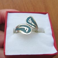 Vintage Mexican Sterling and inlaid Turquoise ring