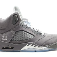 "AIR JORDAN 5 RETRO ""WOLF GREY"" BASKETBALL SNEAKER"