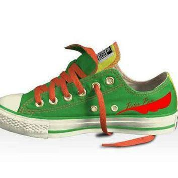 DCCK8NT disney s peter pan low top double tongued converse