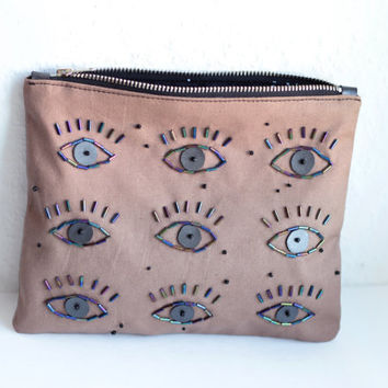 EYES// Zipper clutch// Hand beaded purse