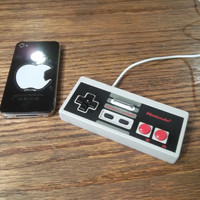 Authentic Nintendo controller iPhone/iPod charger