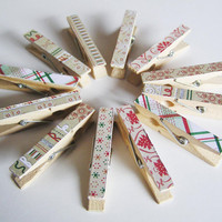 Assorted Christmas card holder mini wooden clothes pegs / clothes pins