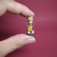 Tiny yellow tree and a couple in a tiny bottle ver.2 B