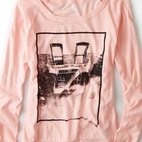 AEO Women's Long Sleeve Graphic T-shirt (Pink Sky)