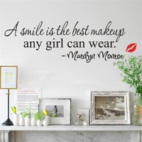 Marilyn Monroe Quotes A smile is the best makeup Wall Stickers