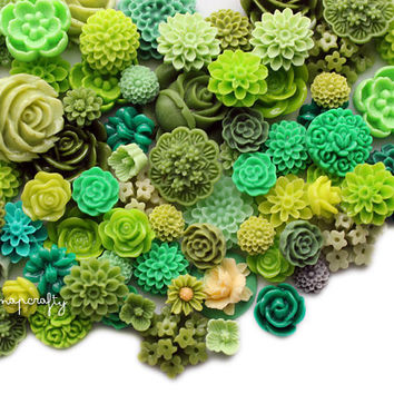 25pc green tones flower cabochon mix, a lot of mixed cab sizes and styles to make earrings, rings, and hairpins