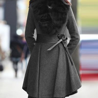Deep Gray Fur Design Beam Waist Pleated Coat