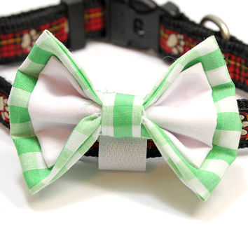 Medium Mint Green Gingham and White Dog Bowtie. Green Checkered Bow Tie with White Cotton. Great for Small Dogs Medium Dogs. Light Green Bow