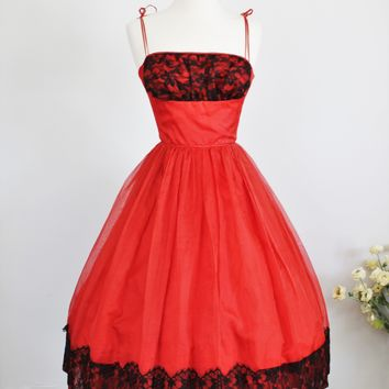 Vintage 1950s Full Skirt Party Dress Red with Black Lace Dress