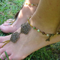 Macrame Barefoot Sandal, Anklet toe ring, Toe thongs, Jade anklet, acorn charms, hippie boho gypsy jewelry, gift for her