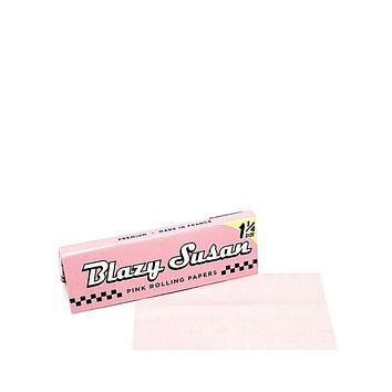 Blazy Pink Rolling Papers - Standard Size