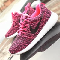 NIKE ROCHE YEEZY Fashion Running Sport Casual Shoes Sneakers Pink