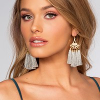Quinn Earrings - Pearl Gray