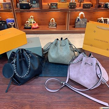 LV Louis Vuitton canvas women's handbag bucket bag