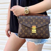 Louis Vuitton LV Pochette Metis Handbag Shoulder Bag