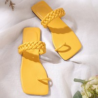 Beach shoes hot sale, weaving sandals and slippers with flip flops manufacturers in stock, customizable codes yellow