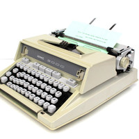 Working typewriter Hermes 3000 excellent working condition new black ribbon