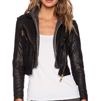 DOMA Fitted Cropped Jacket in Black