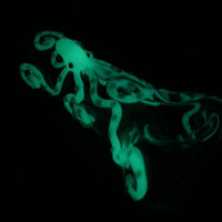 Green Glow in the Dark Octopus Glass Pipe