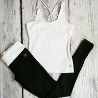FIT SOCIETY WORKOUT SET IN WHITE