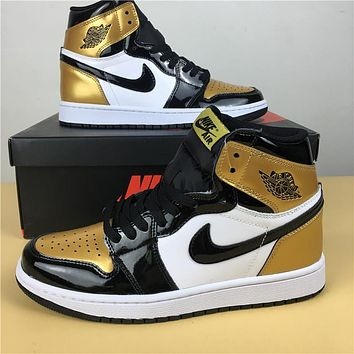 "Air Jordan 1 Retro ""Gold Toe"" 40-47"
