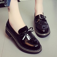 Bow Tassel Loafers 2019 New Women Oxfords Patent Leather Platform Flats Autumn Round Toe Slip-on Casual Woman Shoes Plus Size