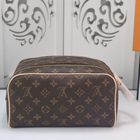 DCCK Lv Louis Vuitton Fashion Women Men Gb29610 M47528 Monogram Travel All Collections King Size Toiletry Bag 28 X 16 X 13cm