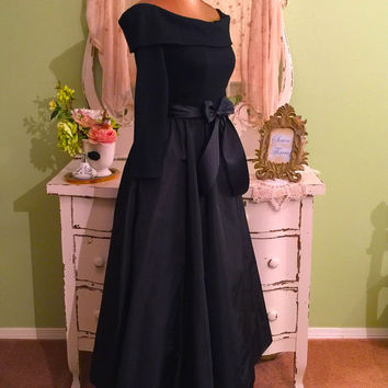 New Look Dress, Victor Costa Designer, Off Shoulder Gown, XS/S, Couture Party Dress, Black Taffeta Gown, Opera Dress, Elegant Glam Dress